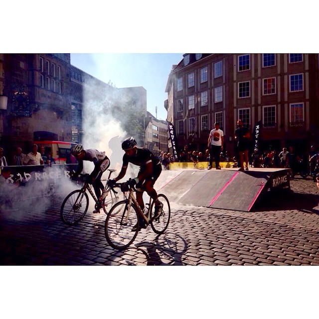 Awesome @radrace Battle! Thank you Münster for a #epic event! #auroracollective #thekidsallride #cyclingisnotacrime #dege #muensterlandgiro #egotrips #reverieshop #guilty76 #skrwt